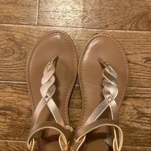 Mix It | Gold metallic sandal